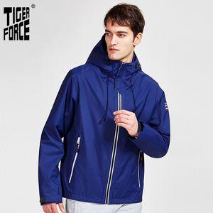 TIGER FORCE 2020 neue Ankunftsmann Frühling und Herbst Jacke hohe Qualität warmer Streetsport feste Farbe outwear Kapuze Kleidung 50613