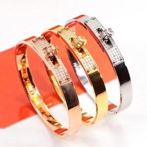 New rotating buckle and diamond fashion designer bracelet luxury designer jewelry women bracelet