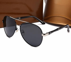 The new polarizing sunglasses for men and women are the same style, versatile and classic retro guccİ sunglasses with quality 10008