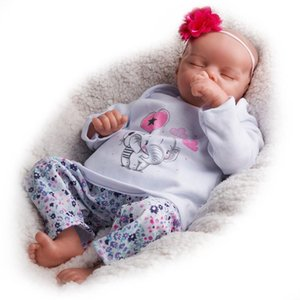 RSG Reborn Baby Doll 17 Inches Lifelike Newborn Sleeping Eye-closed Baby Girl Silicone Vinyl Doll Gift Toy for Children T200712