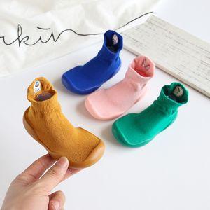 ULKNN Meias bebê calçados para meninas Meninos Indoor Piso Cotton Primeira Walkers 2020 Outono suave inferior antiderrapante Criança Calçado