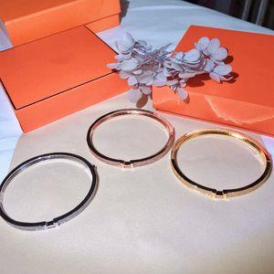 Fashion designer bracelet luxury ious women's men's bracelet, high-end diamond bracelet high-end sub-gold material gold-plated 18K gold brac