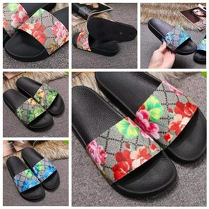 Woman Man Sandals Slippers Shoes slippers High Quality Sandals Slippers Casual Shoes Trainers Flat shoes Slide Eu:35-45 With box 04JFX602