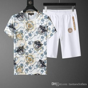 Fashion mens 2020 luxury designer clothes mens designer sweatsuit sets t shirts and shorts tracksuits 2PC size m-4XL