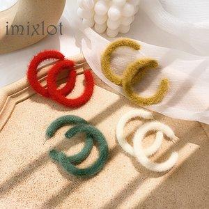 Coréen doux cheveux balle Hoop boucles d'oreilles pour les femmes Simpel couleur rouge Big Circle Boucles d'oreilles Tempérament automne Winte Party Bijoux