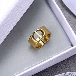 2.020 familiares de los nuevos D / Di anillo de familia femenino carta de CD temperamento pendientes netas de pulsera collar de bronce