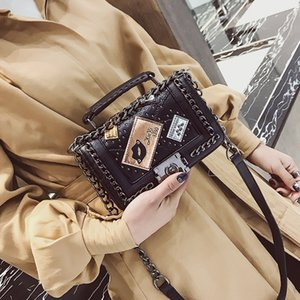 Korean style women's trend 2020 new fashion lock chain single shoulder Small square bag small square bag oblique rivet versatile