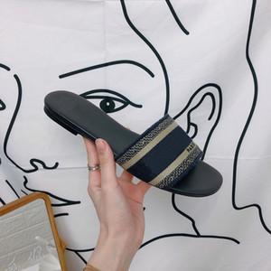 Tasarımcı Deri Bayan Sandalet Yaz Düz Terlik modası deniz kadın Büyük baş Terlik Gökkuşağı harfler terlik