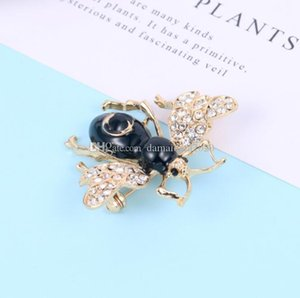 Fashion new cute little bee brooch women's jewelry simple coat pin decoration clothing accessories