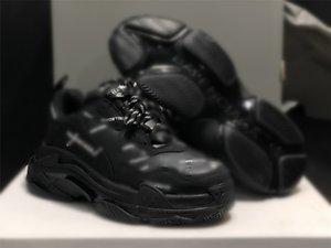 Designer 17W Triple S black white Casual Shoes Men Triple S Sneaker Women Leather Casual Shoes Low Top Lace-Up Flat Shoes