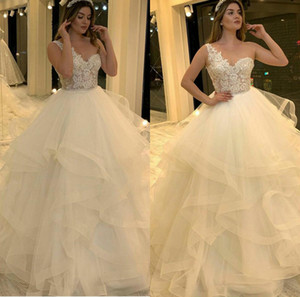 Sexy One Shoulder Sleeveles A Line Wedding Dressess Ball Gown Ruffles Sweep Train Applique Lace 2020 Plus Size Wedding Dress vestidos de nov