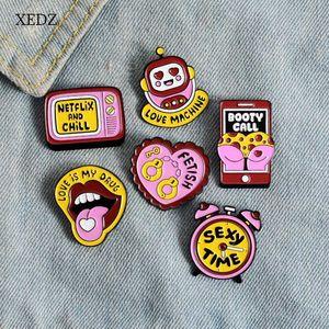 jogo brinquedo consola amor ass algemas língua das crianças XEDZRed espólio c esmalte pin homens e mulheres românticas do presente do metal broche emblema