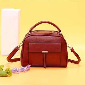Fashion Vintage Small OX oil Leather Clutch tassel Women's Handbag Leather Day Clutch One Shoulder Cross-body Messenger tote bag