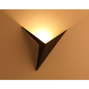 Creative Triangle LED Wall Lamp 3W Home Decoration Bedroom Bedside AC85-265V Iron LED Wall Light For Makeup Mirror Light