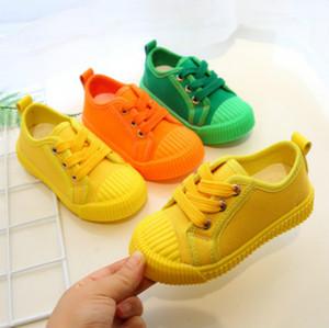 Diseñador de zapatos de niño de mesa Nuevos niños del color sólido de los zapatos ocasionales Los niños y niñas de diseño en las zapatillas de deporte al aire libre respirable del zapato de lona de los muchachos de la venta caliente