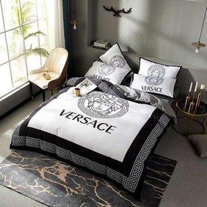 Branded algodón suave cama determinada de moda 4 piezas funda nórdica Hoja 2 fundas textiles para el hogar Ropa de cama de colores Tamaño Consolador Rey