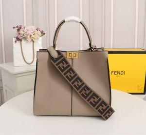 2019 wholesale New Women Tote Handbags ern Lock Female Leather Crossbody Bag High Quality Mini Women Shoulder Bag 30-25-13 F112