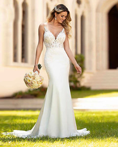 Mermaid   Trumpet Wedding Dresses V Neck Court Train Lace Spaghetti Strap Casual Vintage with