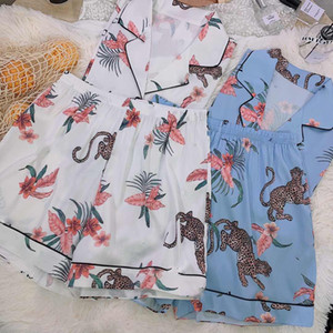20ss Yeni İpeksi G Harf Bayan Pijama Seksi V-Yaka Retro Baskılı Kadınlar pijamalar Kızların Casual Ev Giyim İki Renkler ayarlar