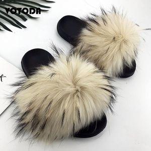 Chinelos Mulheres Mulheres Fluffy Real Slides Fuzzy Raccoon Cabelo Flip Flops Confortável Sandálias Interior Verão Sapato