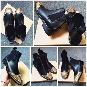 Neue Artikel Hot Sale Gestickte Leder Schwarz Ankle Boot beiläufige Art und Weise bequemer weiche Unterseite Winter-Dame-Schnee-Aufladungen Arbeitsschuh