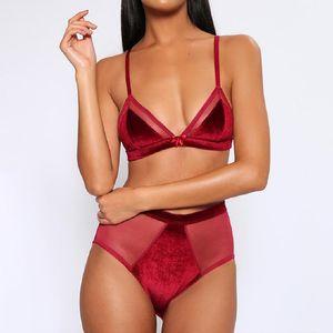 Mulheres Sexy malha Bras Sets Ver Através Velvet Underwear três pontos Tipo 2pcs sólidos conjuntos de cores condoer Belt Bras