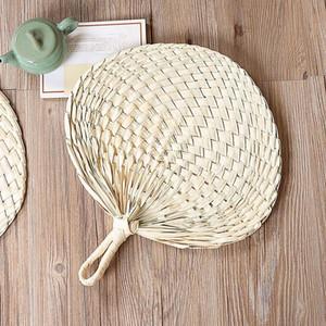 Im chinesischen Stil Handmade Straw Fan-Hand-Woven Palmblatt-Handventilator Sommer Kühlung Mückenschutz Handfächer Dekoration