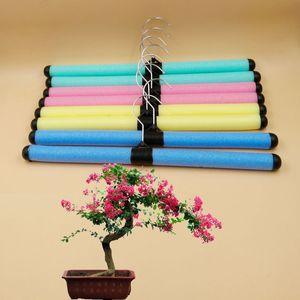 Stoffa colorata regolabile Hanger Bend Mostra di vestiti Sponge Rack General Merchandise basamento del Living Room Closet Organizer Accessori 0 35dy B2