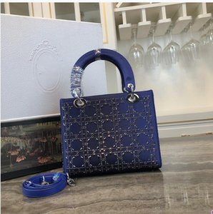 2020Classic lady's handbag 5A high-end custom quality handbag fashion business casual style metal accessories with long shoulder strap