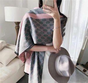 Moda büyük marka renk eşleştirme kıdemli yumuşak dokunuşlu parlak tasarımcı özelleştirilmiş kumaşlar ağır lüks tasarım özellikleri 180 * 70