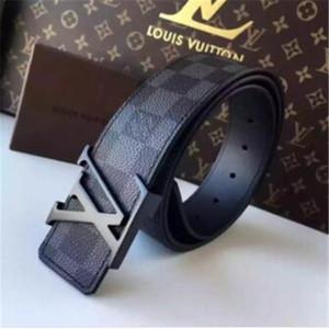 2020 mens nastro superiore qualità dei progettisti della cinghia di lusso cinghia per le cinghie di cuoio man per uomini / donne con le etichette di sicurezza di Louis Vuitton
