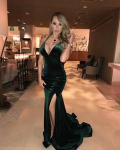 Backless Green Velvet Mermaid Prom Dresses Long 2021 Halter V Neck Split Side Formal Evening Party Gowns Robe De Soiree