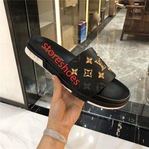 Men Women Slippers hococal Bottoms Luxury Designer Spikes Ladies Beach Slipper Tide Male Home Slippers Non-slip Leather Mens Casual Shoes