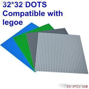 ht Vente en gros-Hot 4pcs / lot LELE 78096 blocs avec Taille 10,43 Baseplate * 10,43 pouces de 32 * 32 dot Plaque de base Briques 4 Figurines Couleurs