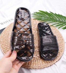 2021 Vendre Moyen Homme Femmes Sandales Chaussures Bohemian Diamond Pantoufles Femme Flip Flop Chaussures Summer Beach Sandales Chaussure09 10003