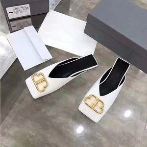 2020 Diseño de un solo BB y cuero plana zapatos zapatillas puntera borla B Playa de cabeza cuadrada L zapatos de lujo de regalo originales y zapatillas
