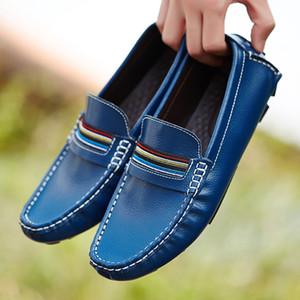 Ifrich Новая молодежь Мужская мода Обувь кожа мужчин Loafer обувь черный белый поскользнуться на вскользь тапки конструктора Mens Drive