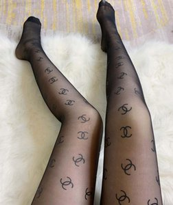 Vendita calda donne Lettera progettista di seta Calze Chanel collant sexy Calze calzini di seta modo trasparente Griglia calzino