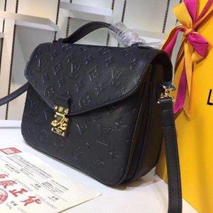 Wholesale New Orignal Genuine Real Lady Leather Messenger Phone Fashion Handbag Shoulder Presbyopic Mobile Bag Package Satchel Bag Purs Cwwb