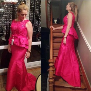 Fuschia Mermaid Mother of the Bride Dresses with Peplum Lace Jewel Neck Party Formal Evening Gowns Cheap Prom Trumpet Dress