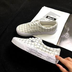 HKXN Mulheres Sneakers Branco Malha sapatas de lona Low Top Flats Lace-up Casual sapatos mocassins Alpercatas Mulheres Flats Shoes T