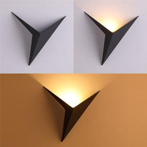Lampada da parete minimalista moderno triangolo forma stile LED Lampade da parete Nordic coperta Lampade da parete del salone Luci 3W AC110V semplice illuminazione