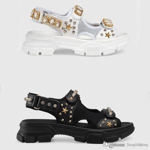 Designer rivettato diamanti uomini e donne di sport dei sandali sandali di svago scarpe da donna ciabatte da spiaggia per rivetti moda cuoio scarpe con la suola