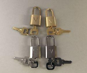 4 colori Classic Deposito lucchetto / serratura set = 1 + 2 di blocco tasti, Lettera V. come un ciondolo al fai da te le tue collane. Clienti Designare prodotto