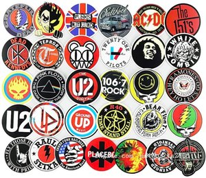 100pcs Lot Wholesale Rock Roll Band Cartoon Graffiti Stickers No-Duplicate Waterproof Sticker Laptop Skateboard Notebook Luggage Car Decals