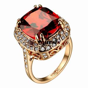 Yoursfs Vendita Calda nobile ed elegante splendidi anelli 18 K Placcato Oro Uso Austria Cristallo 5CT Emulational Diamante Anelli di Cerimonia Nuziale di Modo Delle Donne