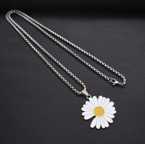 2020 new small daisy necklace male ins sunflower chrysanthemum pendant female tide jumping di hip hop accessories free shipping