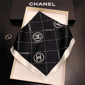 Designer-Seidentücher 50cm * 50cm Größe f Buchstaben Retro-Stil Frau Stirnbänder Damen Ring Schal 2colors Top-Qualität
