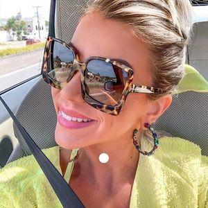 Higodoy Mode surdimensionné Femmes Lunettes de soleil en plastique Marque Designer Femme grand cadre dégradé Lunettes de soleil UV400 Lunettes de soleil Mujer