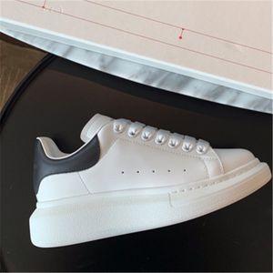 Ig Qualité Ceap Femmes Soes Dener Sneaker Leater Low-Top Courir Formateurs Wit Paillettes Automne La-Up Soes Casual # 159